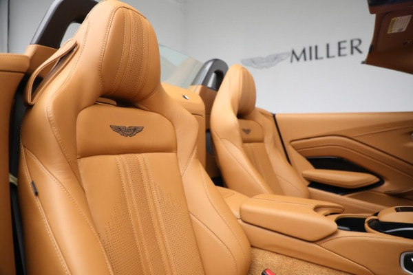 New 2021 Aston Martin Vantage Roadster for sale $174,586 at Pagani of Greenwich in Greenwich CT 06830 17