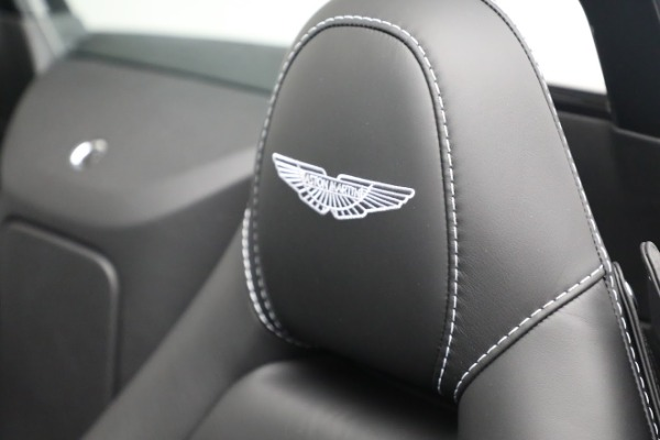 New 2021 Aston Martin Vantage Roadster for sale $180,286 at Pagani of Greenwich in Greenwich CT 06830 17