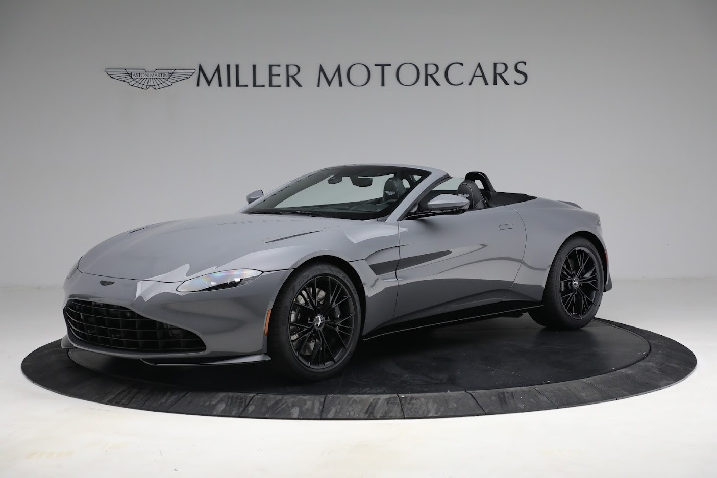 New 2021 Aston Martin Vantage Roadster for sale $180,286 at Pagani of Greenwich in Greenwich CT 06830 1