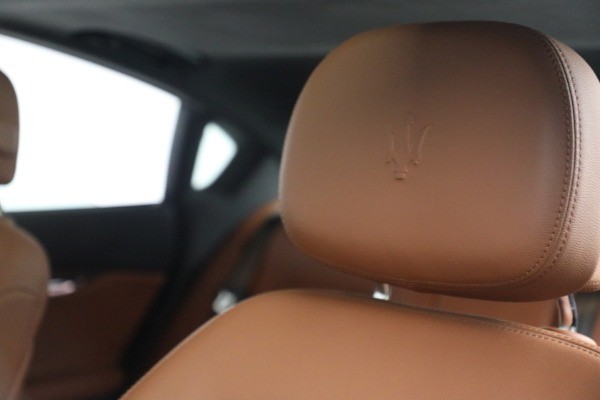 Used 2016 Maserati Quattroporte S Q4 for sale $46,900 at Pagani of Greenwich in Greenwich CT 06830 16