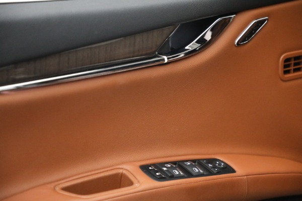 Used 2016 Maserati Quattroporte S Q4 for sale $46,900 at Pagani of Greenwich in Greenwich CT 06830 21