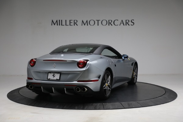 Used 2017 Ferrari California T for sale Sold at Pagani of Greenwich in Greenwich CT 06830 19