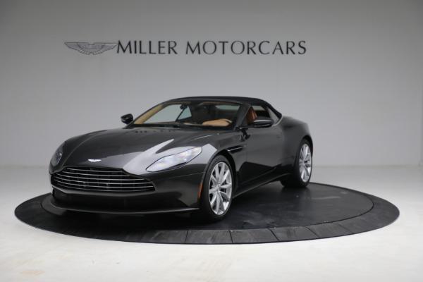 Used 2019 Aston Martin DB11 Volante for sale $212,990 at Pagani of Greenwich in Greenwich CT 06830 14