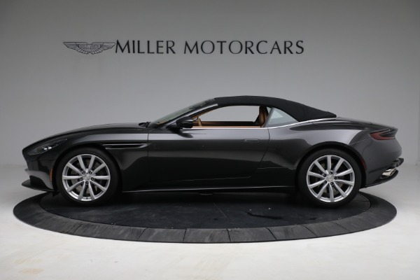 Used 2019 Aston Martin DB11 Volante for sale $212,990 at Pagani of Greenwich in Greenwich CT 06830 17