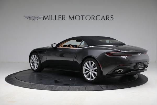Used 2019 Aston Martin DB11 Volante for sale $212,990 at Pagani of Greenwich in Greenwich CT 06830 19