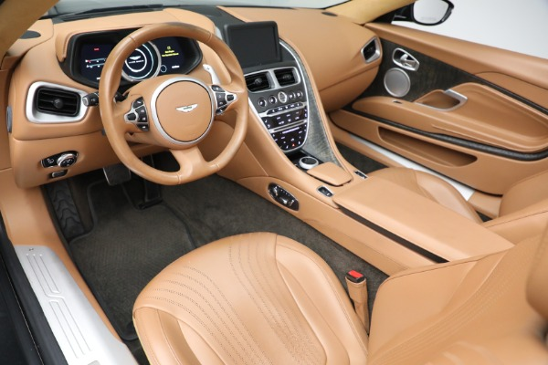 Used 2019 Aston Martin DB11 Volante for sale $212,990 at Pagani of Greenwich in Greenwich CT 06830 20