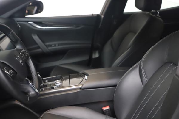 Used 2018 Maserati Ghibli SQ4 for sale $54,900 at Pagani of Greenwich in Greenwich CT 06830 14