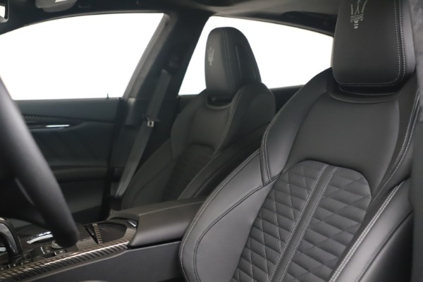 New 2022 Maserati Quattroporte Modena Q4 for sale $131,195 at Pagani of Greenwich in Greenwich CT 06830 15