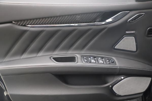 New 2022 Maserati Quattroporte Modena Q4 for sale $131,195 at Pagani of Greenwich in Greenwich CT 06830 16