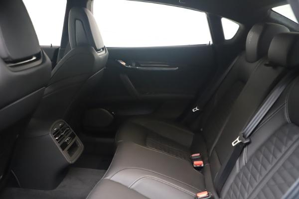 New 2022 Maserati Quattroporte Modena Q4 for sale $131,195 at Pagani of Greenwich in Greenwich CT 06830 17