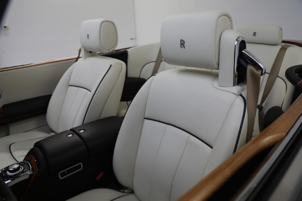 Used 2015 Rolls-Royce Phantom Drophead Coupe for sale Call for price at Pagani of Greenwich in Greenwich CT 06830 25
