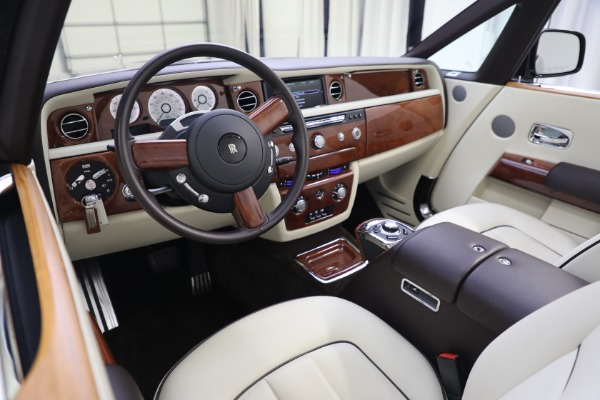 Used 2015 Rolls-Royce Phantom Drophead Coupe for sale Call for price at Pagani of Greenwich in Greenwich CT 06830 27
