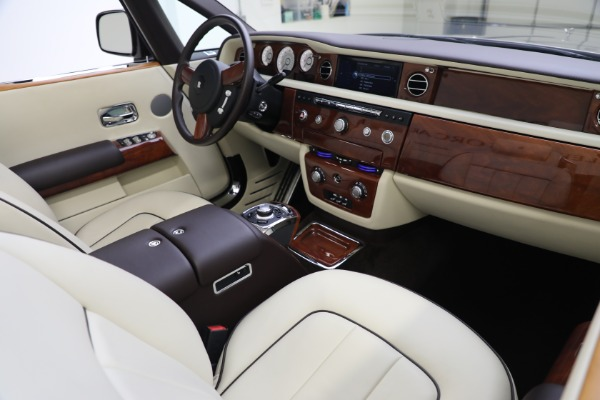 Used 2015 Rolls-Royce Phantom Drophead Coupe for sale Call for price at Pagani of Greenwich in Greenwich CT 06830 28