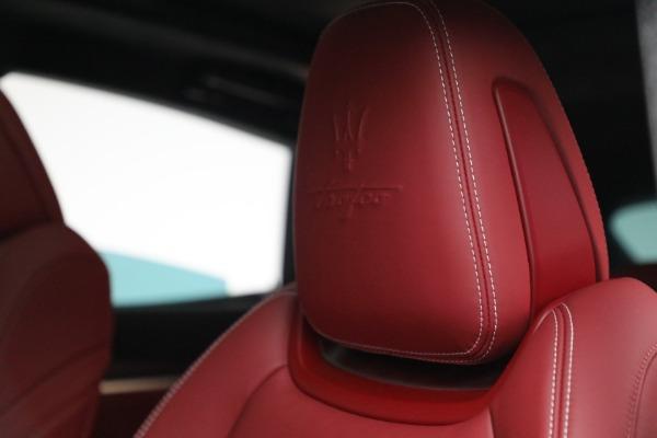 New 2022 Maserati Levante Trofeo for sale $155,045 at Pagani of Greenwich in Greenwich CT 06830 16