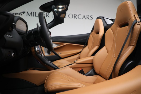 New 2022 McLaren 720S Spider for sale $382,090 at Pagani of Greenwich in Greenwich CT 06830 21