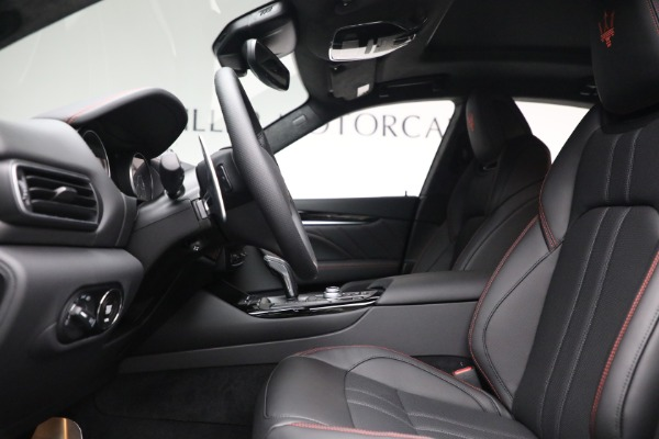 New 2022 Maserati Levante GT for sale $95,965 at Pagani of Greenwich in Greenwich CT 06830 14