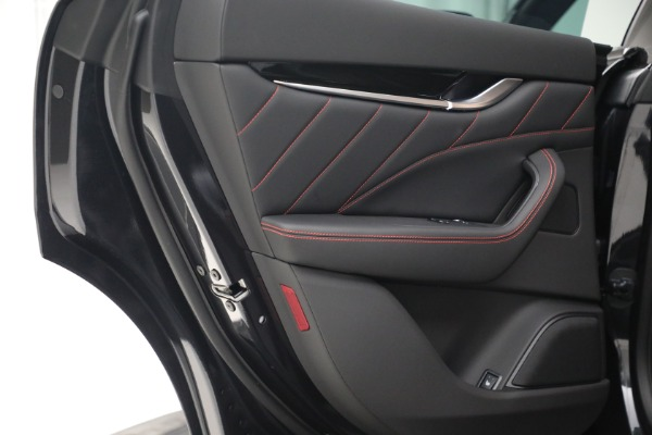 New 2022 Maserati Levante GT for sale $95,965 at Pagani of Greenwich in Greenwich CT 06830 23