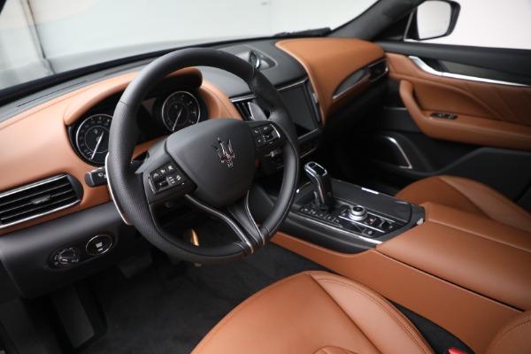 New 2022 Maserati Levante Modena for sale $104,545 at Pagani of Greenwich in Greenwich CT 06830 13