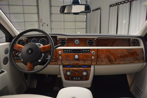 Used 2011 Rolls-Royce Phantom for sale Sold at Pagani of Greenwich in Greenwich CT 06830 16