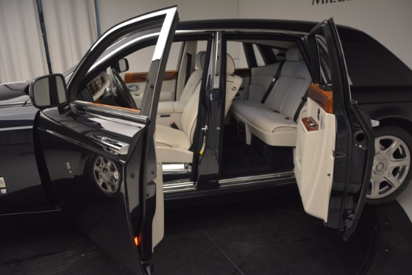 Used 2011 Rolls-Royce Phantom for sale Sold at Pagani of Greenwich in Greenwich CT 06830 5