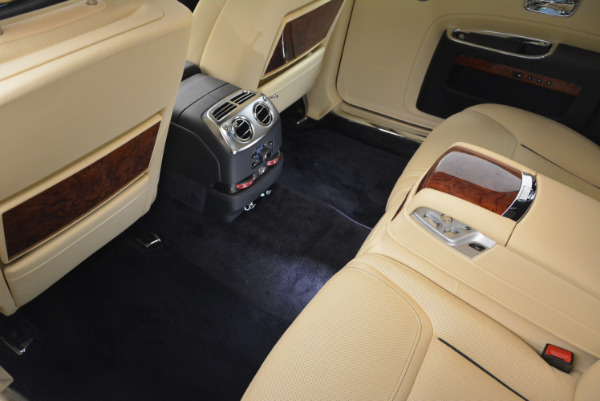 Used 2016 Rolls-Royce Ghost EWB for sale Sold at Pagani of Greenwich in Greenwich CT 06830 27
