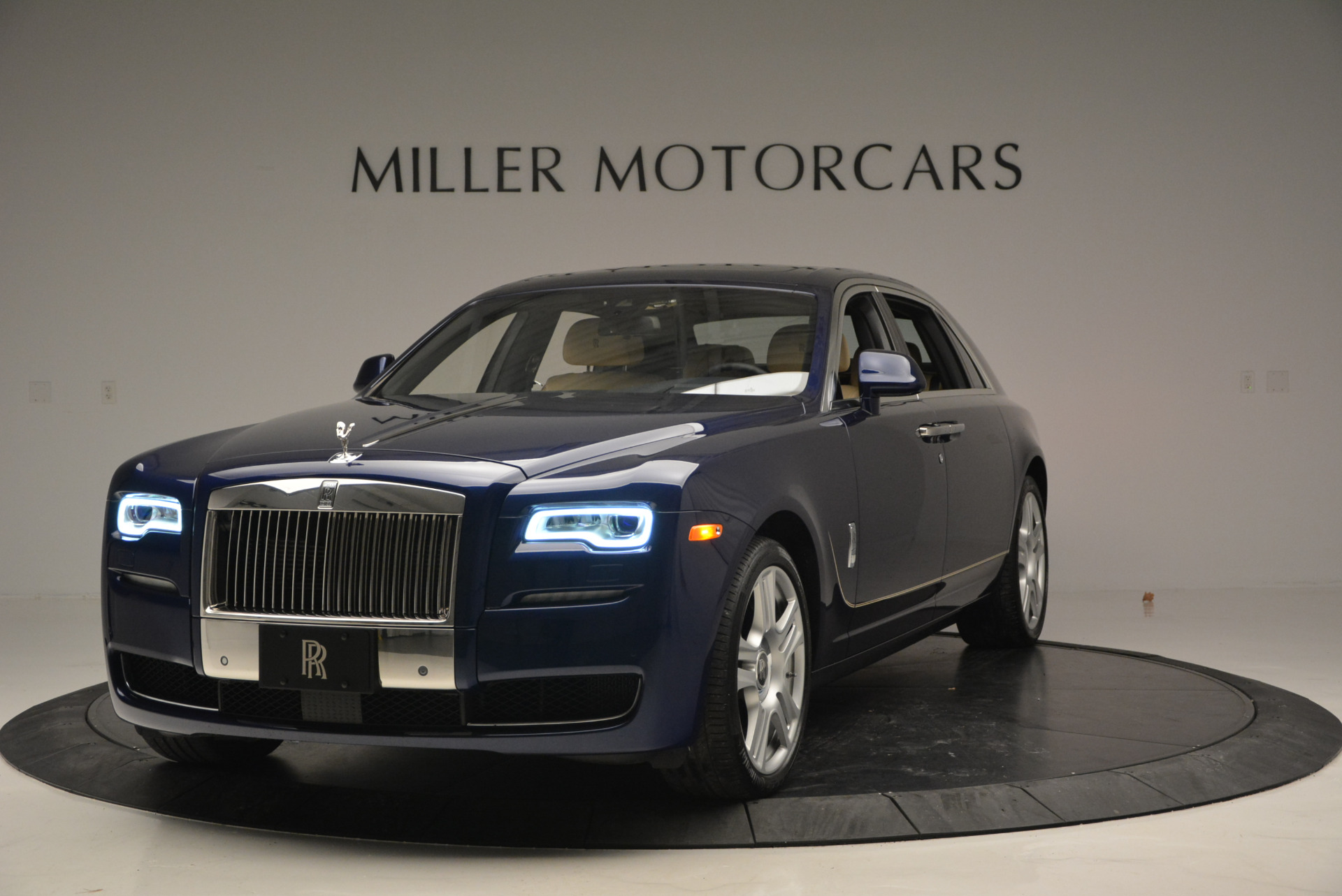 Used 2016 Rolls-Royce Ghost EWB for sale Sold at Pagani of Greenwich in Greenwich CT 06830 1