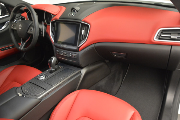 Used 2017 Maserati Ghibli S Q4 for sale $49,900 at Pagani of Greenwich in Greenwich CT 06830 20