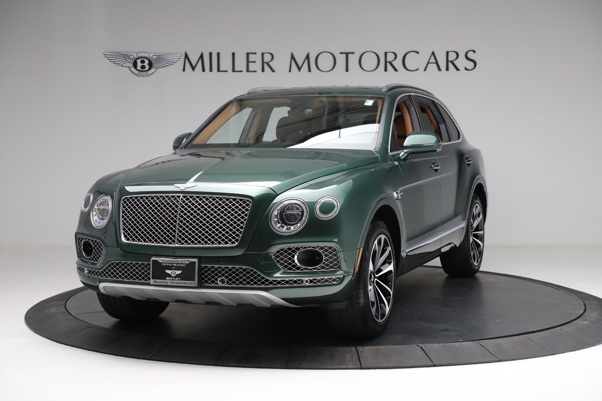 Used 2017 Bentley Bentayga W12 for sale $135,900 at Pagani of Greenwich in Greenwich CT 06830 1