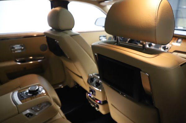 Used 2014 Rolls-Royce Ghost V-Spec for sale Sold at Pagani of Greenwich in Greenwich CT 06830 16